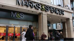 ماركة ماركس أند سبنسر البريطانية تعتذر بعد رفض موظفة مسلمة بيع الخمور 110401090656_marks_a