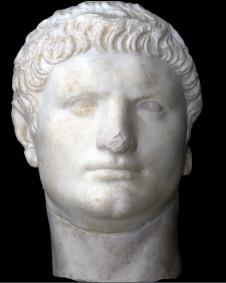 Busto de mármore retratam Nero, que integra mostra dedicada ao imperador, em cartaz em Roma (Mostra Nerone, fotos cedidas à BBC)