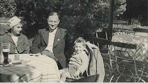 Theo con su familia en Alemania