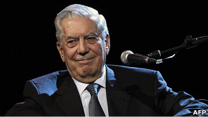 Vargas Llosa en la Feria del Libro de Argentina