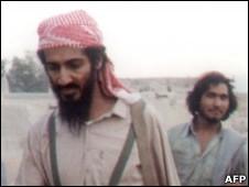 Bin Laden na área de Jalalabad, Afeganistão, em 1989 (Foto: AFP)
