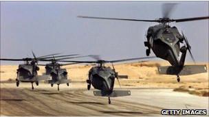 Helicópteros Black Hawks.