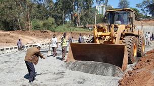 中国公司承建肯尼亚的首条高速公路