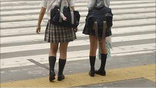 Polémica en Corea del Sur por minifaldas escolares