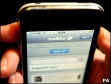 Twitter é o centro de uma polêmica sobre censura na Grã-Bretanha