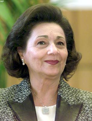 حبس سوزان مبارك 15 يوما وترحيلها الى سجن القناطر  110513121712_304x171