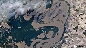 inundaciones del mississippi vistas desde el espacio