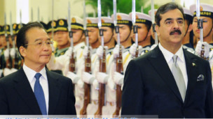 中国总理温家宝和巴基斯坦总理吉拉尼(新华社图片)