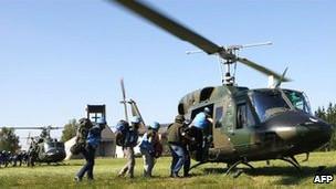 """نمونه هایی از هلیکوپترهای نظامی """"بل 212 """" در اتریش"""