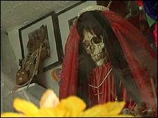 Santuário da Santa Morte no bairro de Tepito, na Cidade do México