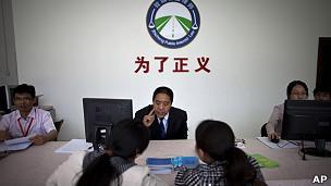 北京一律师事务所为民工提供法律援助。