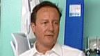 طبيب يطرد طاقم تصوير رئيس الوزراء البريطاني
