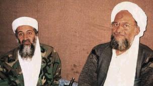 اسامہ بن لادن اور ایمن الظواہر (فائل فوٹو)