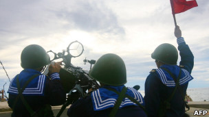越南不久前在南中国海海域进行了实弹军事演习(14/06/2011)