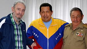 شافيز وراؤل وفيدل كاسترو