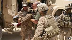 نقل جندي أمريكي جريح في أفغانستان