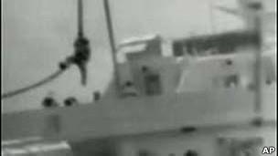 احدى سفن اسطول المساعدات الى غزة