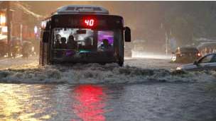 北京7月21日雨灾(中新社图片)