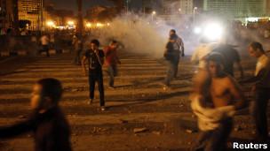 متظاهرون في ميدان التحرير بالقاهرة
