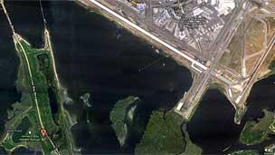 Imagen de Google Maps de la localización del aeropuerto Kennedy y del parque Bahía de Jamaica.