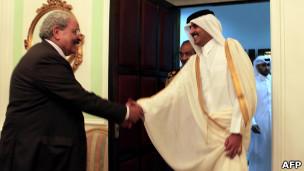 سمير رضوان يستقبل في القاهرة رئيس وزراء قطر