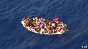 مركب مهاجرين غير شرعيين قبالة مالطا