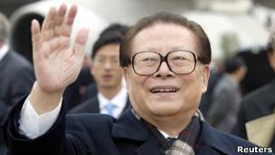 江泽民(2002年档案照片)