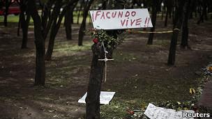 """Un cartel que dice """"Facundo vive"""""""