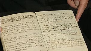 Páginas do manuscrito com regras de futebol do Sheffield FC (BBC)