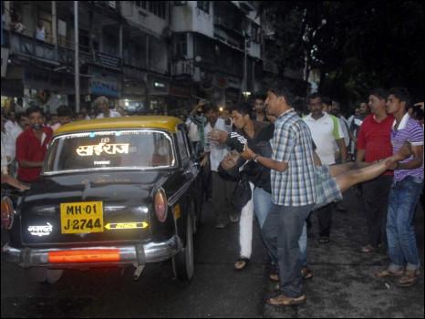 Hiện trường vụ đánh bom ở Mumbai