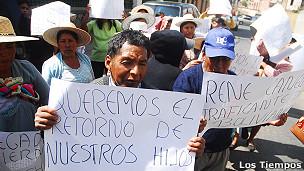 Padres de niños traficados en Bolivia.