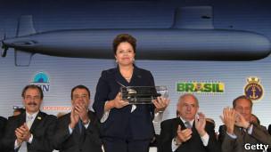 DiIma Rousseff anuncia construcción de submarino nuclear