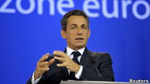 الرئيس الفرنسي ساركوزي يعلن خطة الانقاذ الجديدة