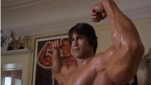 Estátua de Arnold Schwarzenegger em museu na Áustria.