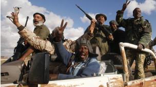 Com conquistas dos rebeldes, surgem dúvidas sobre o pós-guerra na Líbia
