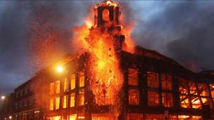 Đốt nhà tại Tottenham