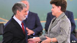 """Amorim pediu """"compreensão"""" de colegas da área financeira para manter investimentos na Defesa"""