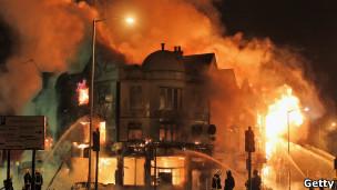 حرائق في كرويدون