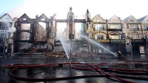 Một tòa nhà ở Croydon bị hủy hoại