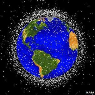 Lixo espacial cerca a Terra (Imagem: Nasa)