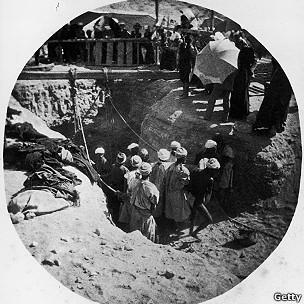 Excavación arqueológica en Thebes 1881