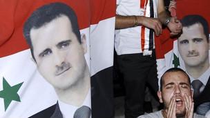 自从叙利亚反政府示威开始以来,已经有超过2,200人被打死