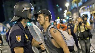 Enfrentamientos entre la policía y los manifestantes en Madrid (foto de archivo)