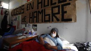 Joven en huelga de hambre en Chile.