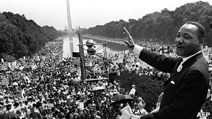 "Martin Luther King durante su famoso discurso ""Tengo un sueño"""