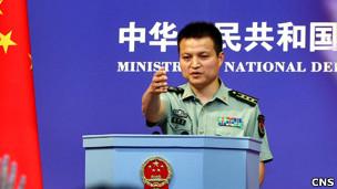 中国国防部发言人杨宇军(29/06/2011 中新社图片)
