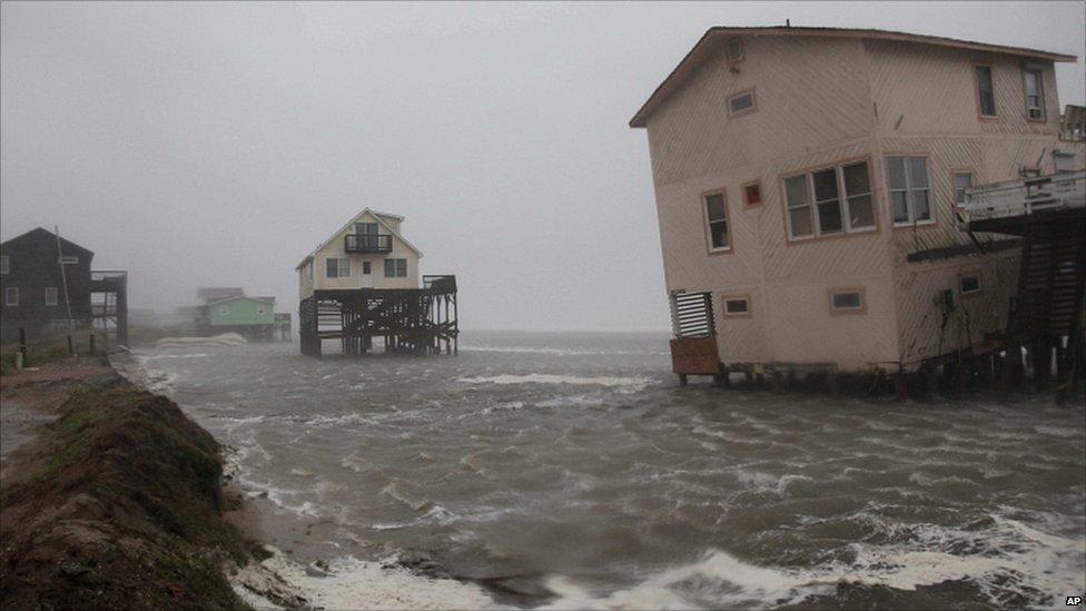 اعصار ايرين ... بالصور  110827224835__54969635_012739325-2