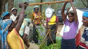 Sri Lanka plantation workers (file photo)