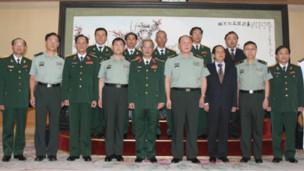Trung tướng Nguyễn Chí Vịnh và các quan chức quốc phòng Trung Quốc