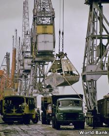 Camión cargado de minerales